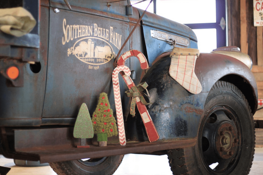 Southern Belle Blog Christmas Truck